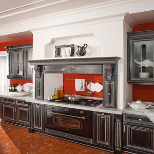 Фото кухни на заказ в Ялте Гальяно