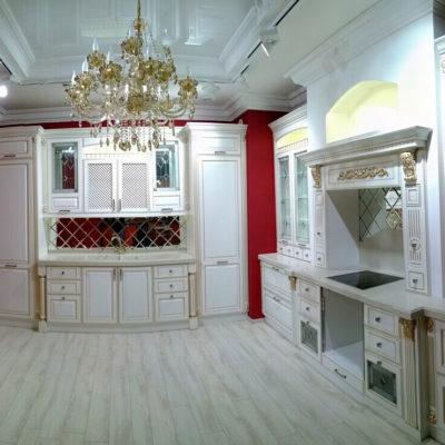 Где лучший магазин кухонь в Севастополе?